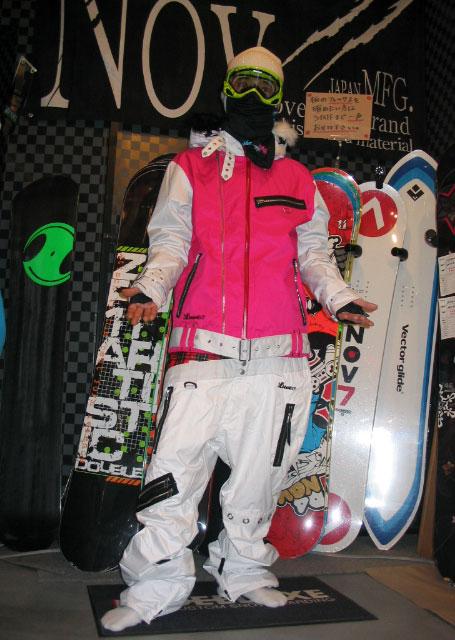 LUVE HUSKY JACKET カラー ピンク 【ルーブ ハスキー】【スノーボード ウェア】715005