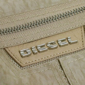 ディーゼル DIESEL バッグ 斜めがけ BEAT THE TIME 00XS38 SUNDIAL LIGHT TAUPE L BEIbf7vYgy6m