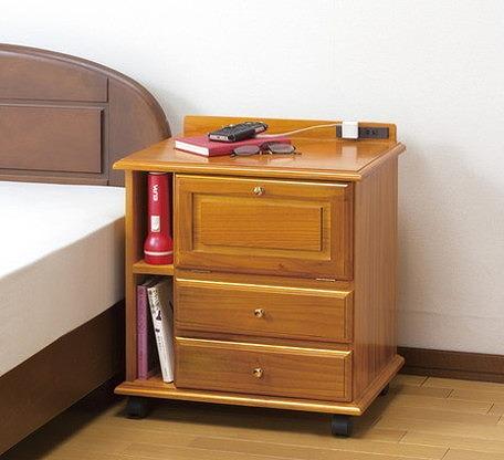 ファムプラス ナイトテーブル 桐製 ベッドサイドワゴン 横型 コンセント付き ベッドテーブル サイドテーブル 収納(代引不可)【送料無料】