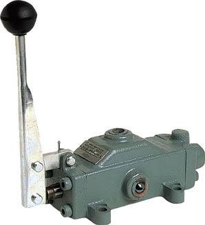 ダイキン 手動操作弁【DM04-3T03-66C】(空圧・油圧機器・油圧バルブ)