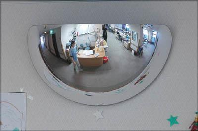 コミー ラミ 665×340mm【L7】(安全用品・標識・安全ミラー)