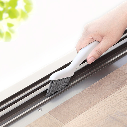 掃除しにくいサッシやミゾの汚れも Vカットブラシがきれいに掃き出します マーナ 奉呈 MARNA みぞスッキリサッシブラシ 掃除の達人 エアコン ホワイト W643W 溝 サッシ 20.3cm セール商品 フィルター
