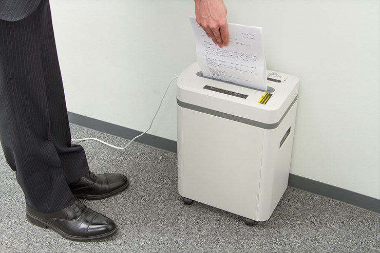 シュレッダー 電動シュレッダー 電動 業務用 マイクロカット A4 CD DVD クレジットカード AURORA AS650MQ 個人情報