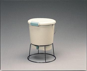 送料無料 OUTLET SALE アイリスオーヤマ 生ゴミ発酵器 コンポスト 上品 ベージュ EM-18 代引き不可