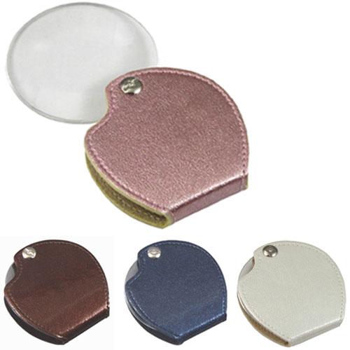 レンズをケースの中に折りたためる携帯用ポケットルーペです。 ポケットルーペ 倍率3倍 レンズ径63mm 丸型 携帯用ポケットルーペ RK-63 日本製 ピンク/50点入り(代引き不可)