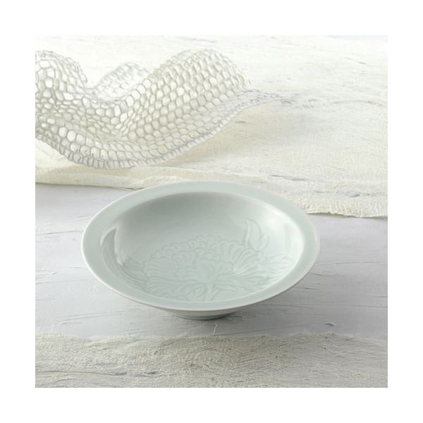 青白磁牡丹絵 飾鉢(木箱入)