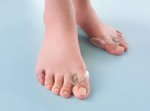 外反母趾専用パッド。歩行時の衝撃を抑え、足指をやさしく保護! 親指ジェルパッド /96点入り(代引き不可)【S1】