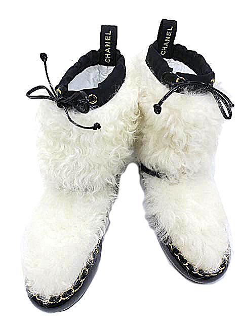 【新古品】【中古】CHANEL シャネル ショート ブーツ ファー 2019年秋冬 靴 レディース 黒 白 ホワイト ブラックG35122 Y53445 C7600