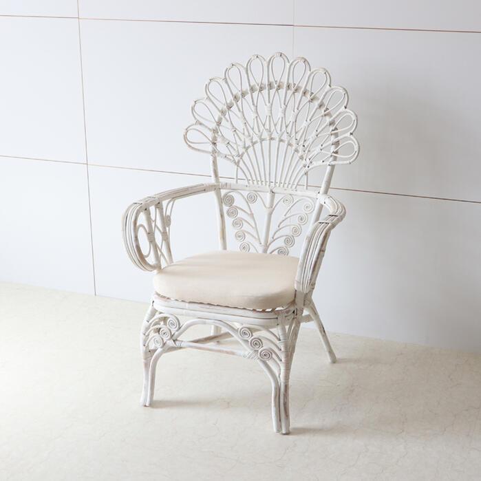 籐編み キングチェア ホワイトラタン チェア ディスプレイ インテリア ナチュラル アンティーク シャビー シャビーシック フレンチ アームチェア オブジェ ショップ おしゃれ かわいい 木製 椅子 白 籐 北欧 輸入家具 送料無料REIKW/1516W