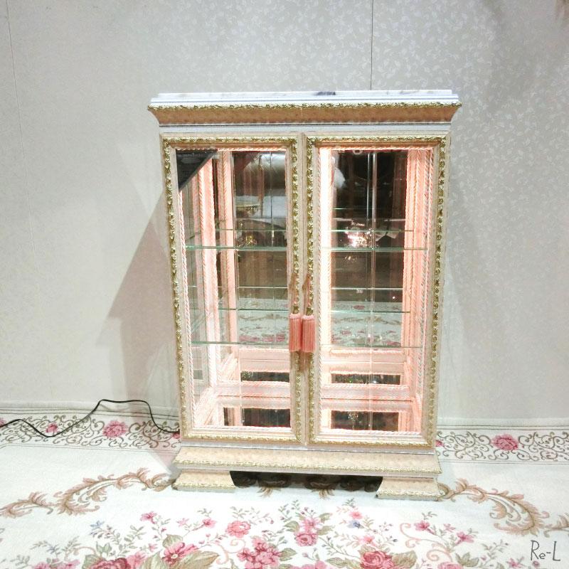 イタリア製キャビネット ショーケース ライト付き ピンク飾り棚コレクションラックRE92078
