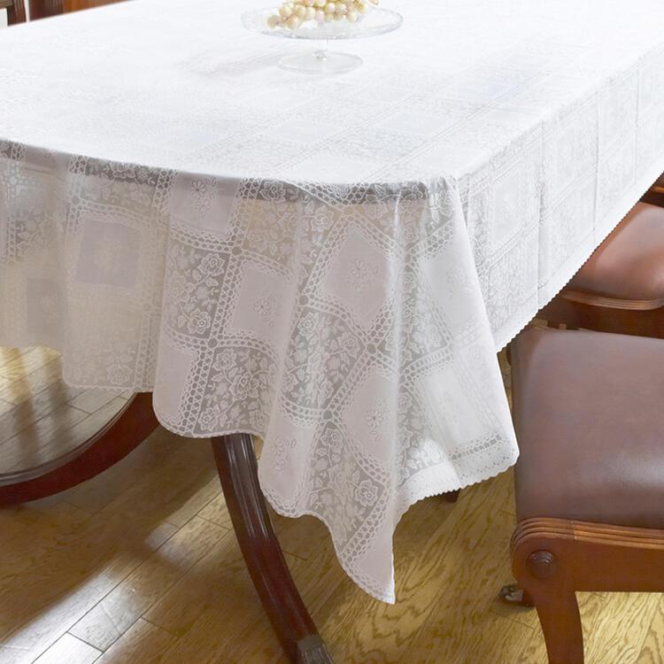 輸入雑貨 薔薇とレースのデザインが可愛いテーブルクロス テーブルクロス 135×180ホワイト ローズ バラ ふるさと割 新品 ビニール レース おしゃれ かわいい 送料無料RE72583 白 北欧 防水 透明 薔薇 長方形 撥水 花柄