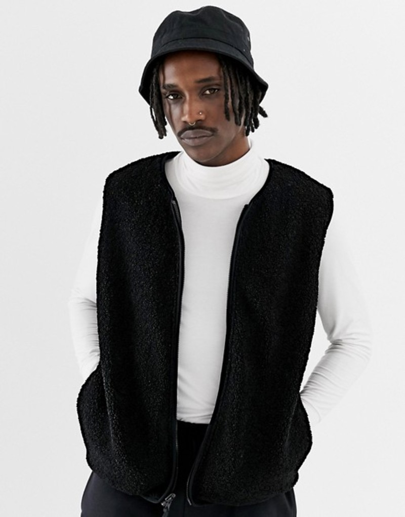 エイソス メンズ タンクトップ トップス ASOS DESIGN reversible borg vest in black Black