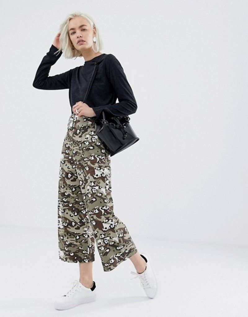 エイソス レディース カジュアルパンツ ボトムス ASOS DESIGN cropped wide leg pants with belt in camo animal Camo