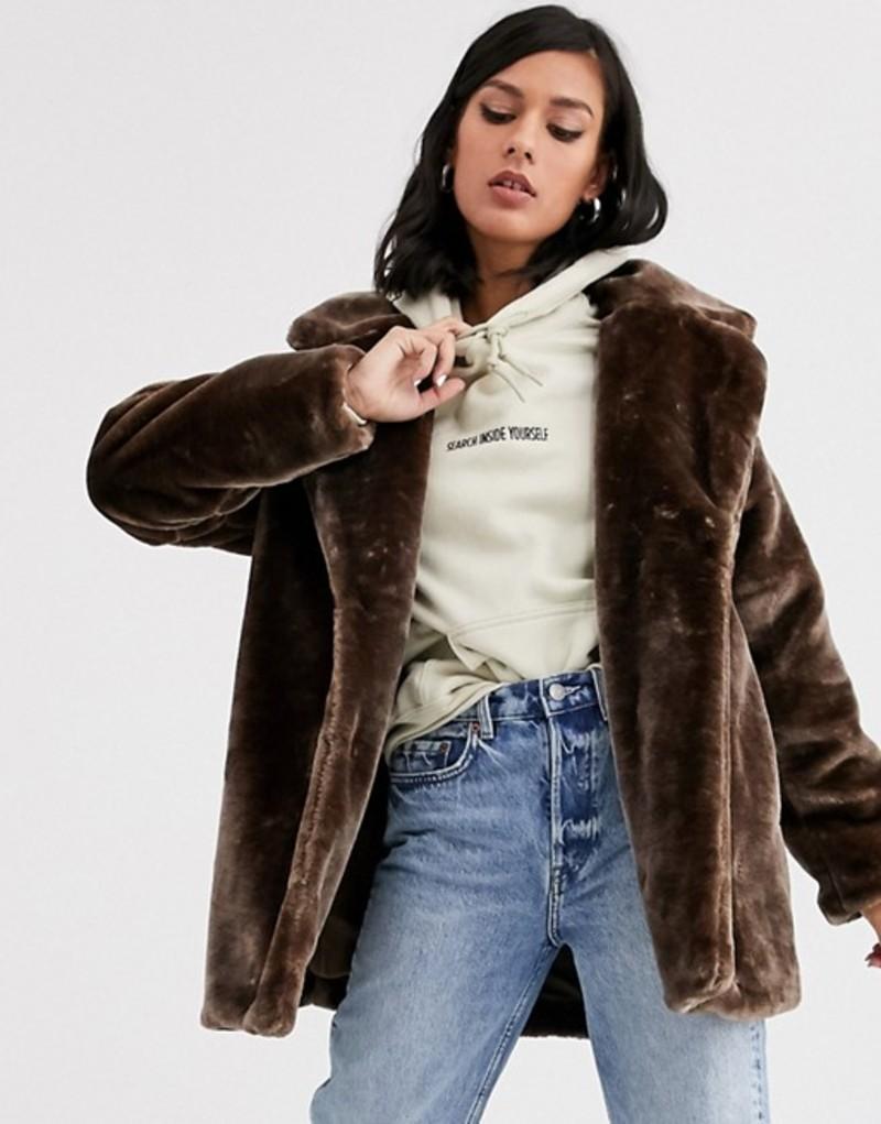 モンキ レディース ジャケット・ブルゾン アウター Monki short faux fur jacket in brown Brown