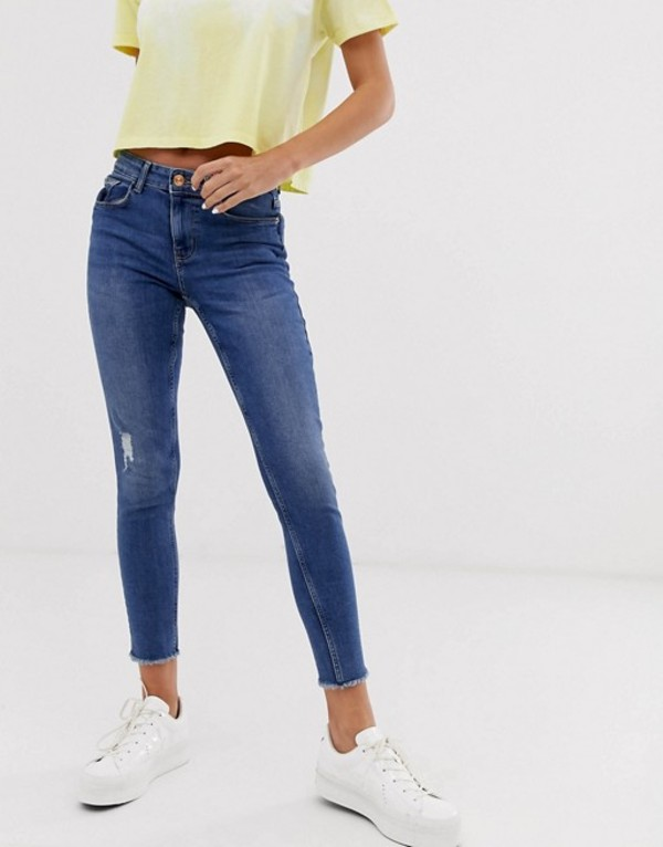 ピーシーズ レディース デニムパンツ ボトムス Pieces skinny jeans with raw hem in mid blue wash Medium blue denim