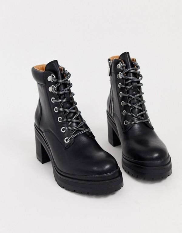 プルアンドベアー レディース ブーツ・レインブーツ シューズ Pull&Bear lace front boots with cleated sole in black Black