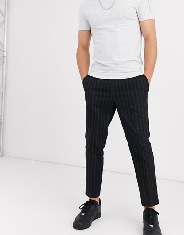 ニュールック メンズ カジュアルパンツ ボトムス New Look slim crop pinstripe pants in black Black