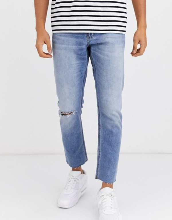 エイソス メンズ デニムパンツ ボトムス ASOS DESIGN cropped slim jeans in light wash with raw hem and knee rip Light wash blue