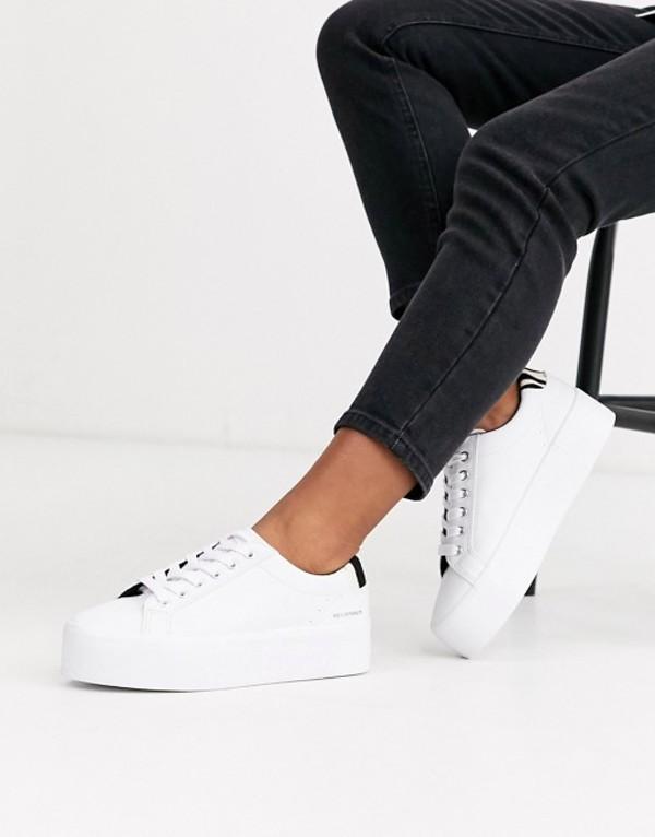 プルアンドベアー レディース スニーカー シューズ Pull&Bear flatform sneaker with contrast back tab in white White