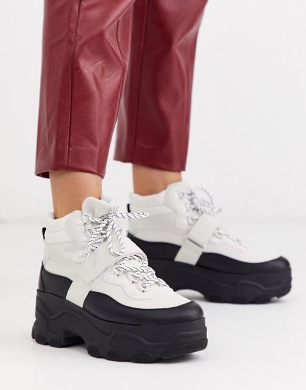 ストラディバリウス レディース ブーツ・レインブーツ シューズ Stradivarius chunky hiker boots in monochrome White