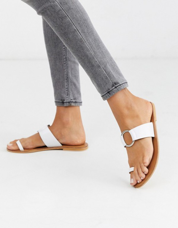 エイソス レディース サンダル シューズ ASOS DESIGN Feline leather toe loop sandal in white White