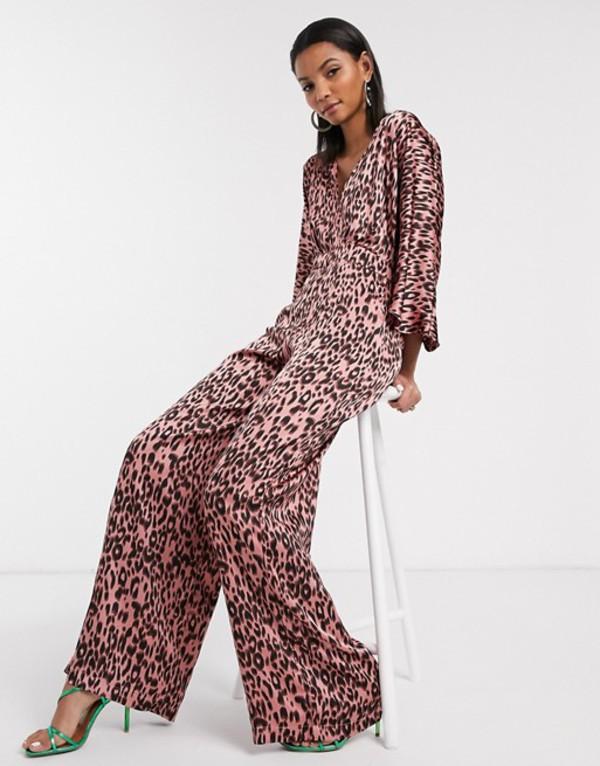 リクオリッシュ レディース ワンピース トップス Liquorish flutter sleeve jumpsuit in pink leopard print Pink