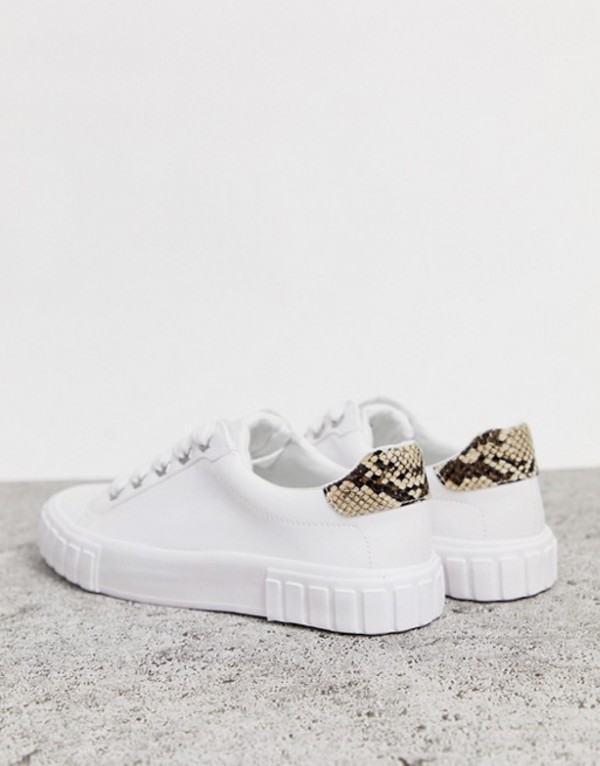 ベルシュカ レディース スニーカー シューズ Bershka single sole lace up sneakers in white White