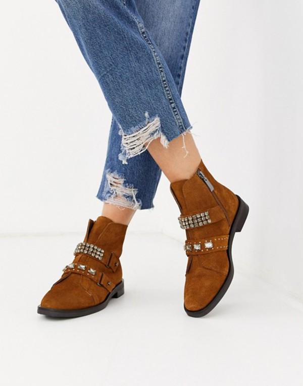 ストラディバリウス レディース ブーツ・レインブーツ シューズ Stradivarius suede jewelled strap boots in tan Tan
