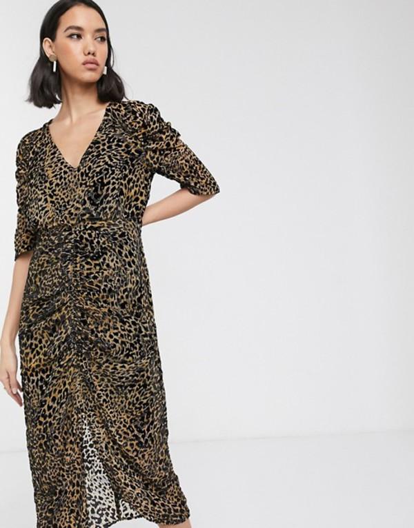 ソークドインラグジュアリー レディース ワンピース トップス Soaked In Luxury flocked leopard print midi dress Leopard