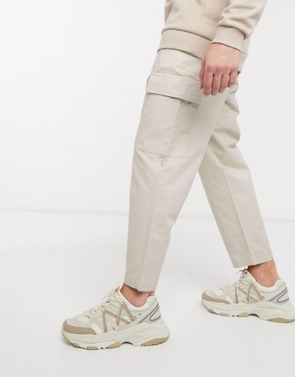 プルアンドベアー メンズ カジュアルパンツ ボトムス Pull&Bear slim fit chinos with pockets in cream Cream