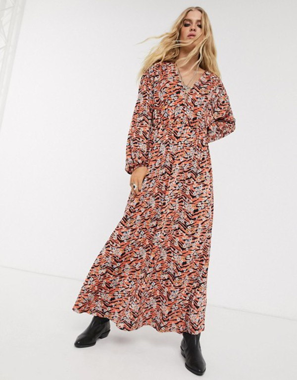エイソス レディース ワンピース トップス ASOS DESIGN long sleeve maxi dress in black and orange animal floral print Animal floral