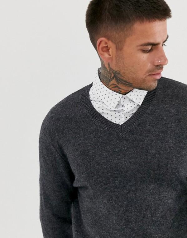 エイソス メンズ ニット・セーター アウター ASOS DESIGN lambswool v-neck sweater in charcoal Charcoal