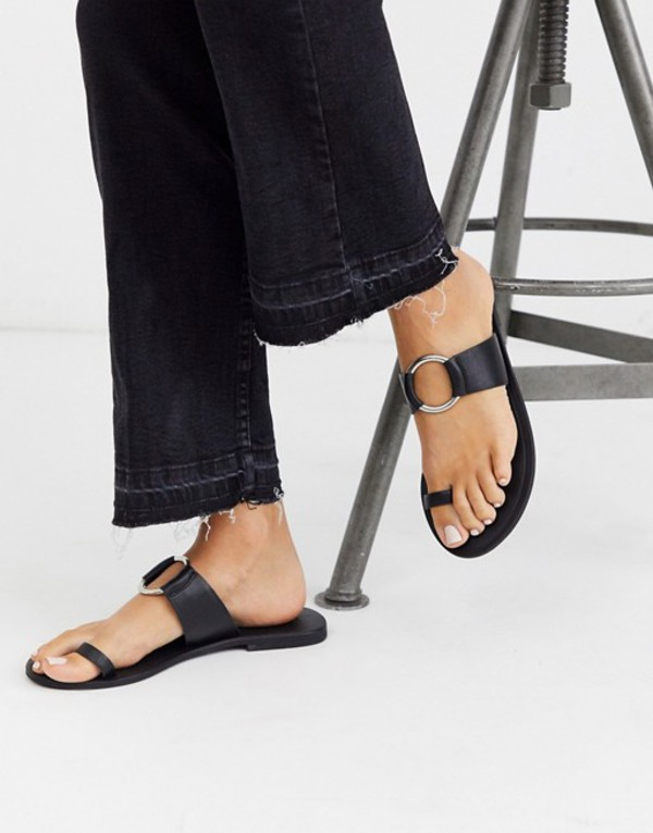 エイソス レディース サンダル シューズ ASOS DESIGN Feline leather toe loop sandal in black Black