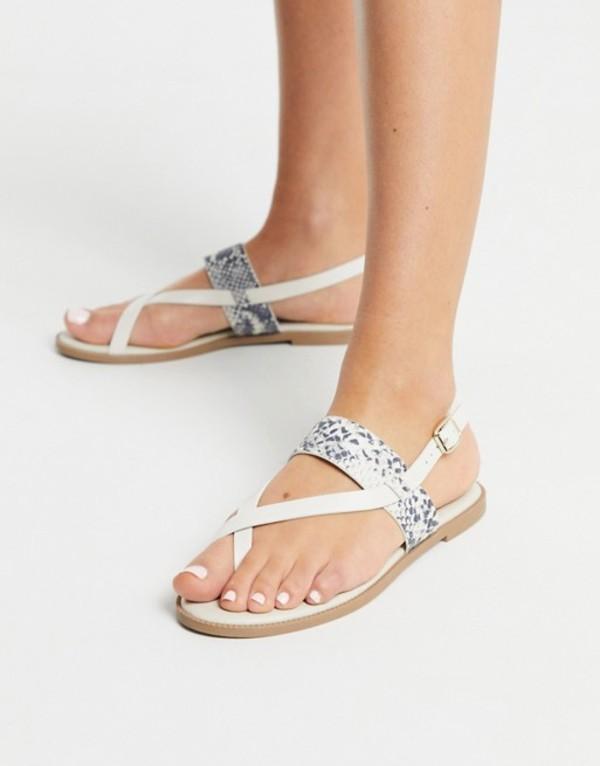 キューピッド レディース サンダル シューズ Qupid toe loop thong flat sandals in white White/gray snake