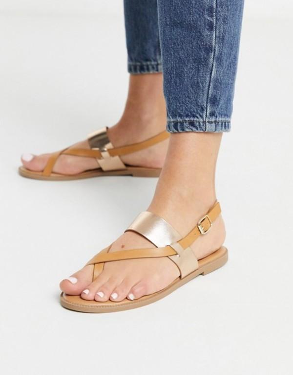 キューピッド レディース サンダル シューズ Qupid toe loop thong flat sandals in tan Tan/rose gold