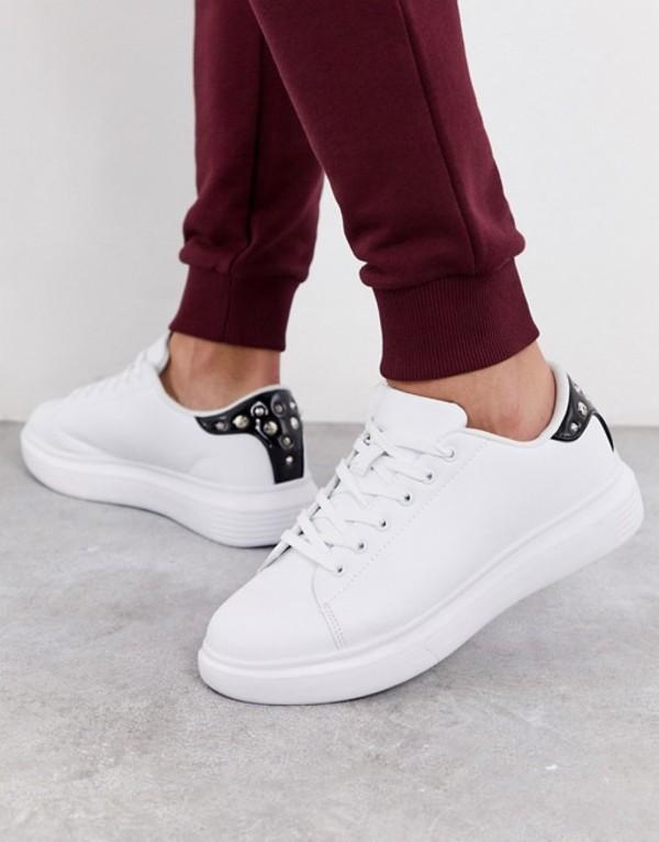 トリュフコレクション メンズ スニーカー シューズ Truffle Collection chunky white sneaker with studded black tab White