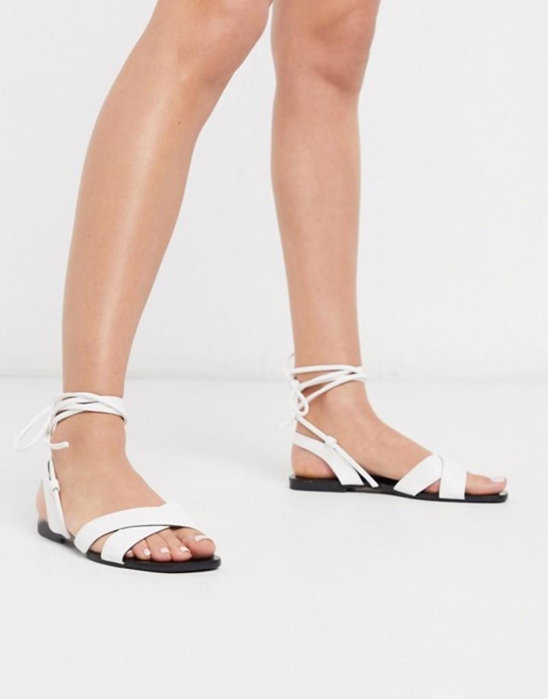 キューピッド レディース サンダル シューズ Qupid tie leg flat sandals in white White pu