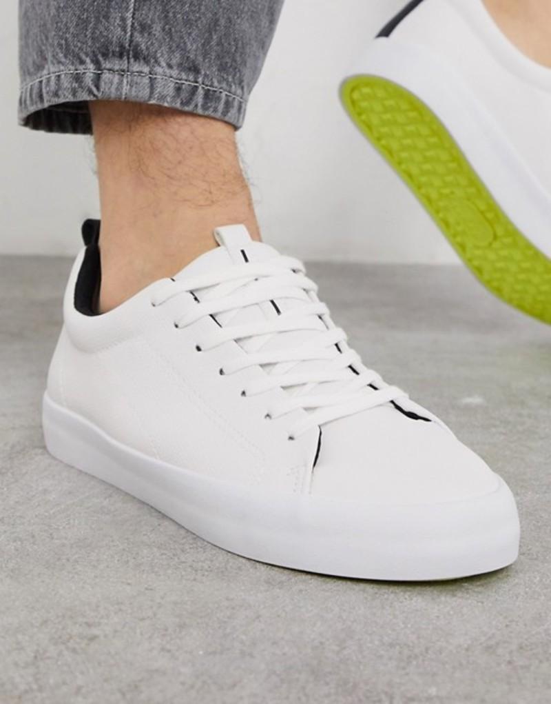 ベルシュカ メンズ スニーカー シューズ Bershka sneakers in white with yellow sole White