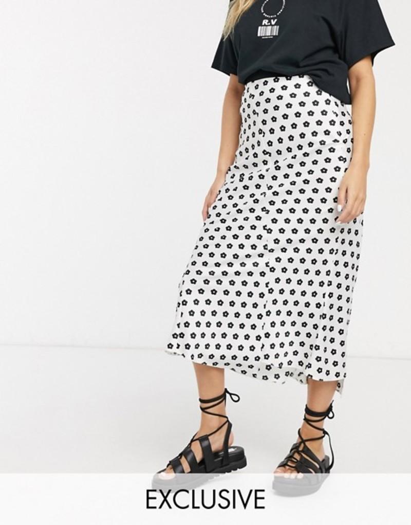 リクレイム ヴィンテージ レディース スカート ボトムス Reclaimed Vintage inspired midi satin skirt with step hem in mono ditsy print White daisy