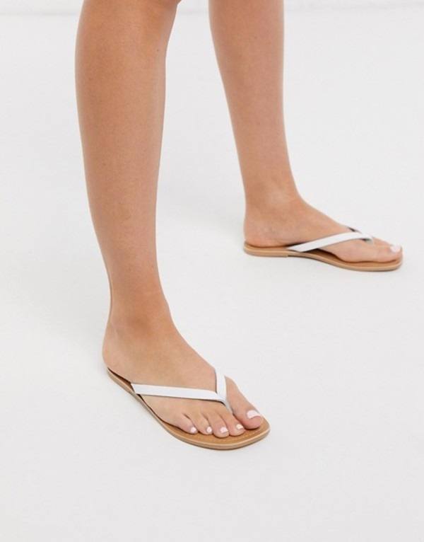 ルールロンドン レディース サンダル シューズ Rule London leather square toe flip flops in white White leather