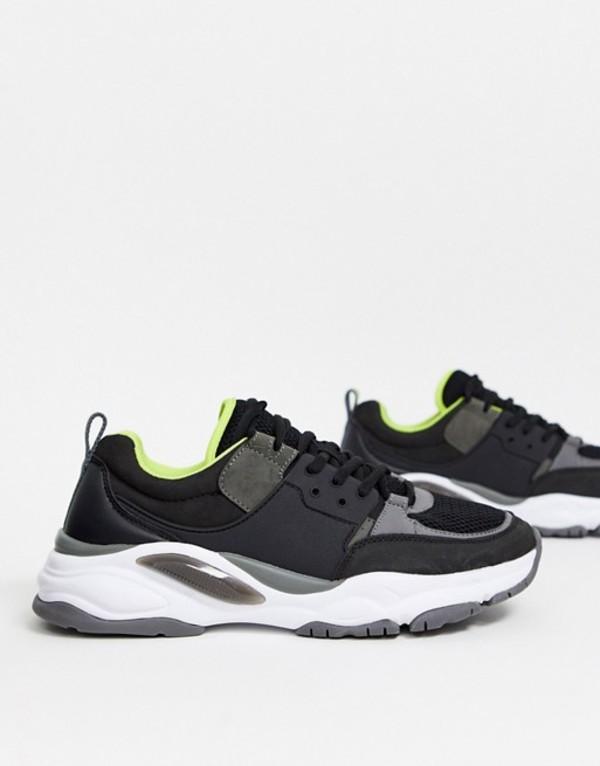 プルアンドベアー メンズ スニーカー シューズ Pull&Bear chunky sneakers with contrast sole in black Black