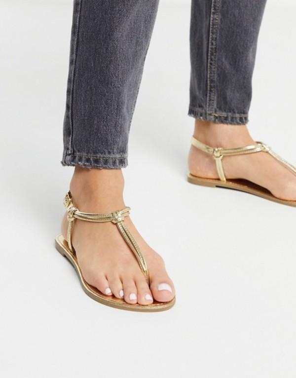 キューピッド レディース サンダル シューズ Qupid thong flat sandals in gold Gold