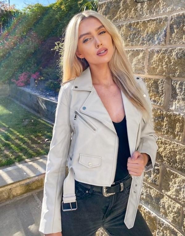ストラディバリウス レディース ジャケット・ブルゾン アウター Stradivarius faux leather belted jacket in white Off-white