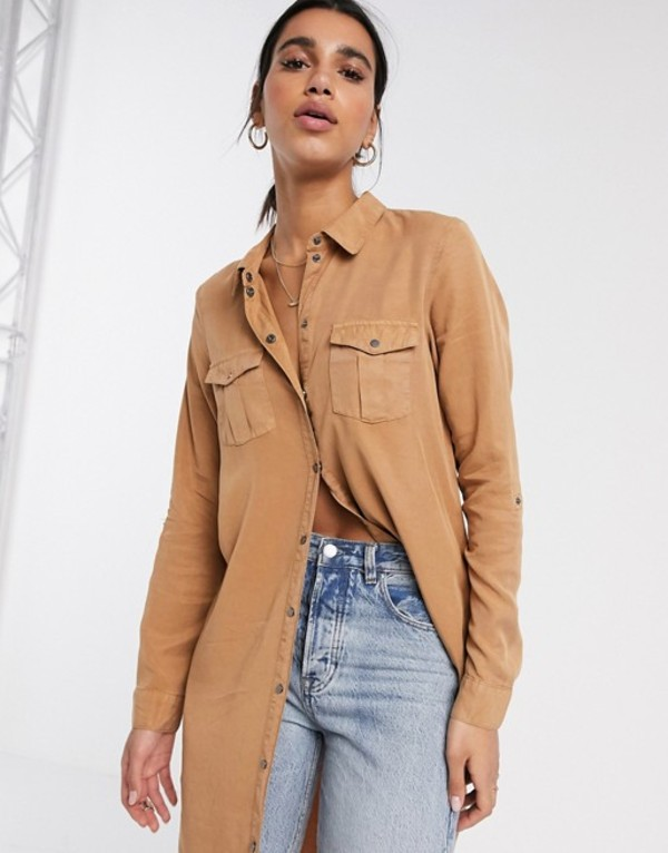 ヴェロモーダ レディース シャツ トップス Vero Moda longline shirt with utility details in tan Tan
