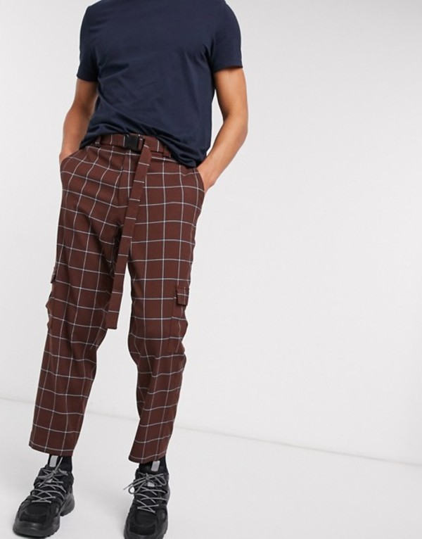 エイソス メンズ カジュアルパンツ ボトムス ASOS DESIGN oversized tapered check smart pants with cargo pockets and belt Brown