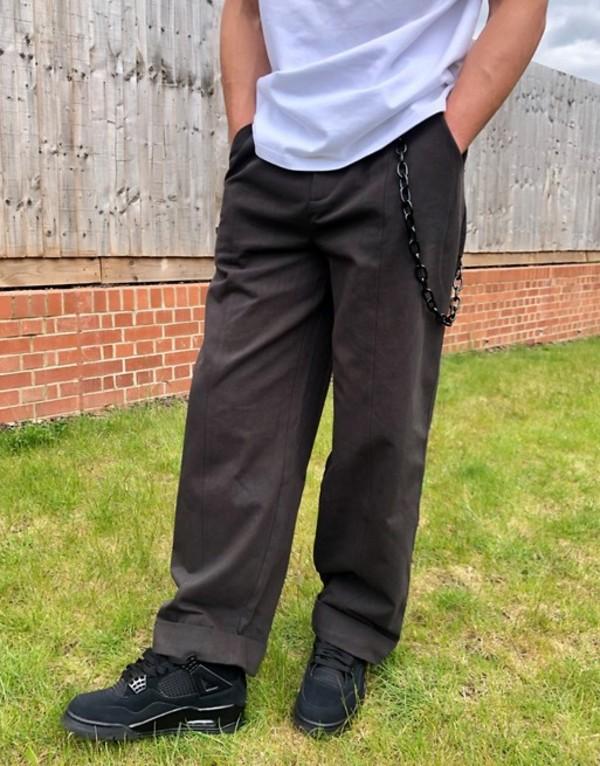 ザラグドプリースト メンズ カジュアルパンツ ボトムス The Ragged Priest wide leg pants with chain in gray Gray