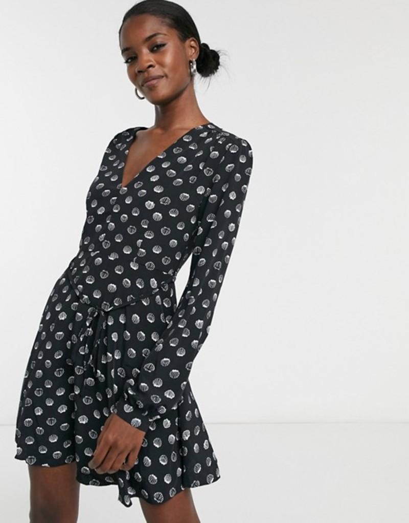グラマラス レディース ワンピース トップス Glamorous long sleeve v-neck tea dress in shell print Black shells