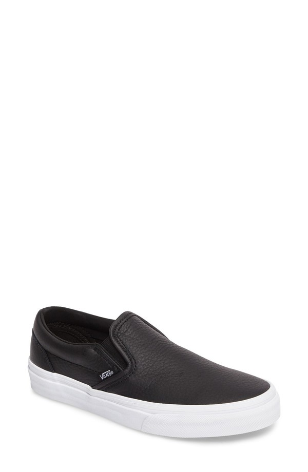 バンズ レディース スニーカー シューズ Vans Classic Slip-On Sneaker (Women) Black/ True White