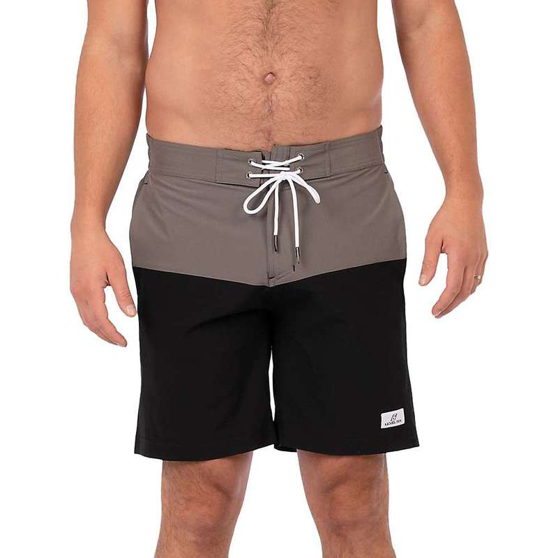レベルシックス メンズ ハーフパンツ・ショーツ 水着 Level Six Men's Slanted Short Black