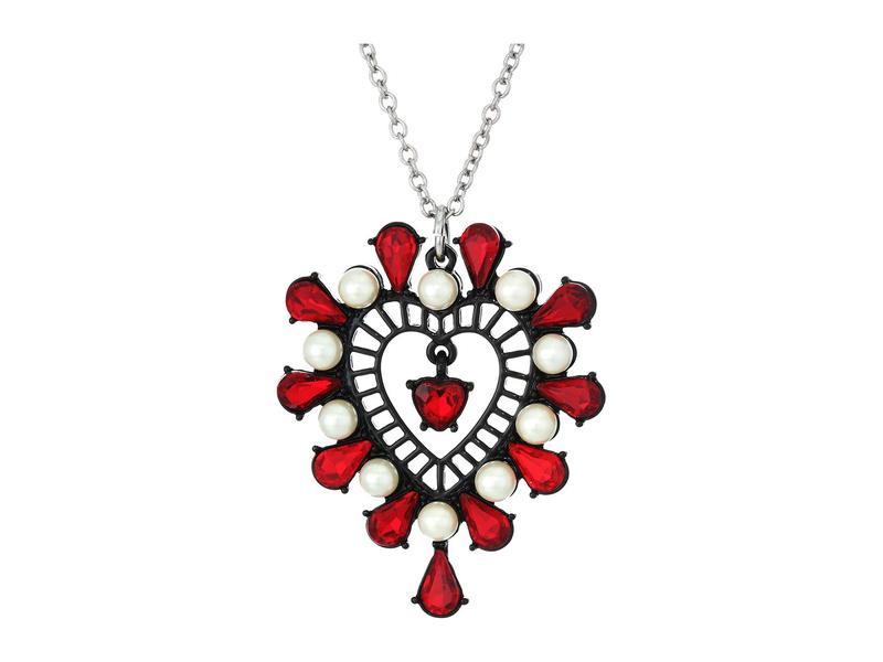 ベッツィジョンソン レディース ネックレス・チョーカー・ペンダントトップ アクセサリー Short Heart Pendant Necklace Red